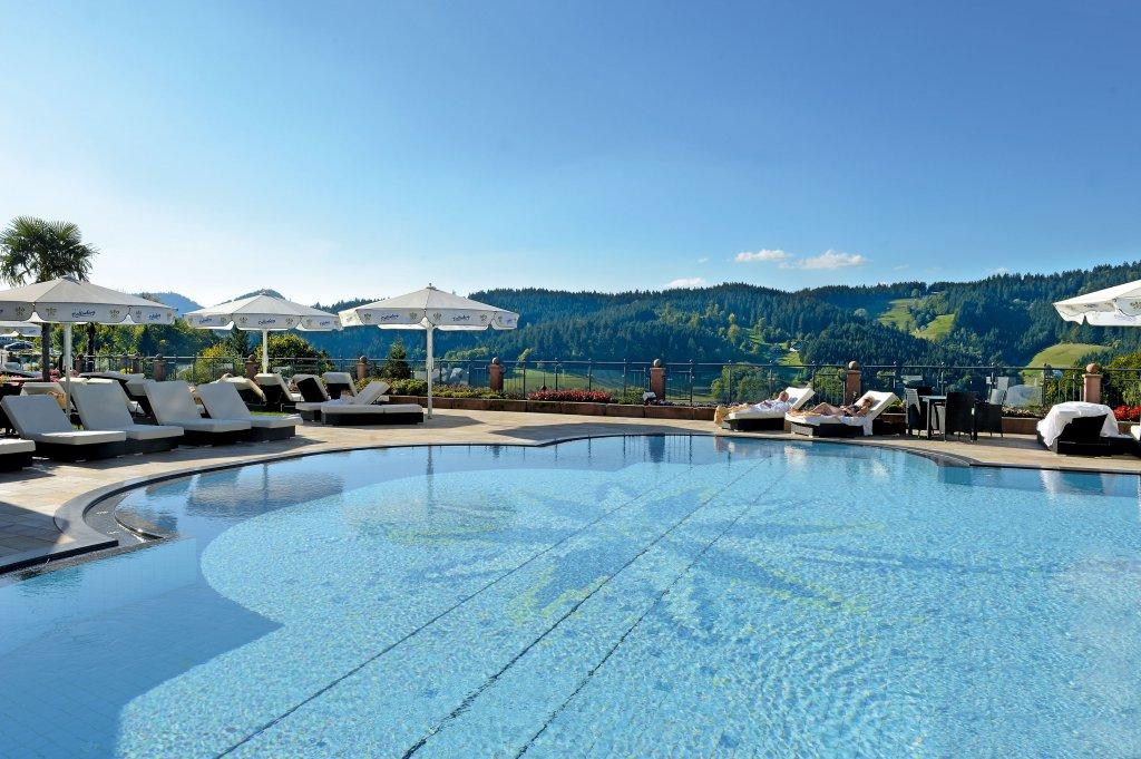 ihr 5 sterne superior hotel im schwarzwald relais ch teaux hotel dollenberg. Black Bedroom Furniture Sets. Home Design Ideas
