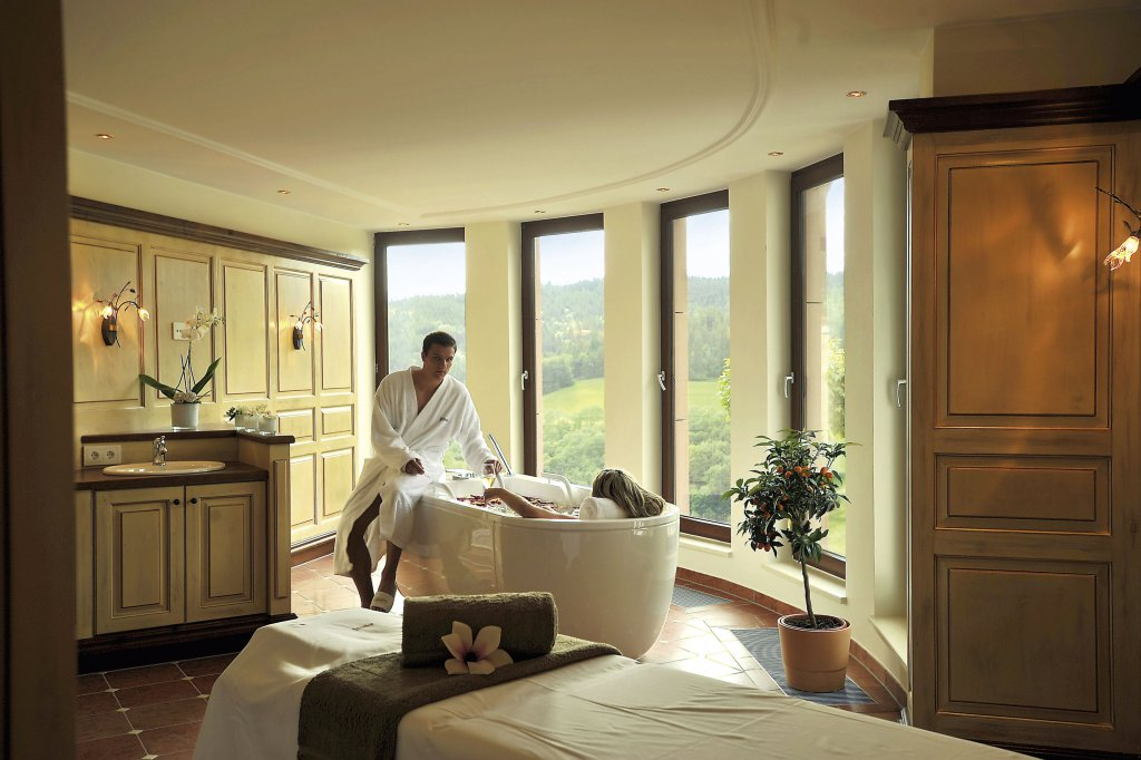 5 sterne superior all inclusive urlaub im schwarzwald relais ch teaux hotel dollenberg. Black Bedroom Furniture Sets. Home Design Ideas